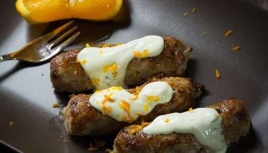 Σεφταλιά με σάλτσα γιαουρτιού και πορτοκάλι