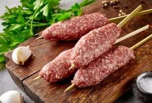βουβαλίσιο κεμπάπ Μπόρας, βουβαλίσιο κρέας, βουβάλι, βουβαλίσιο κεμπαπ, με βουβαλίσιο κρέας, πρόβειο,