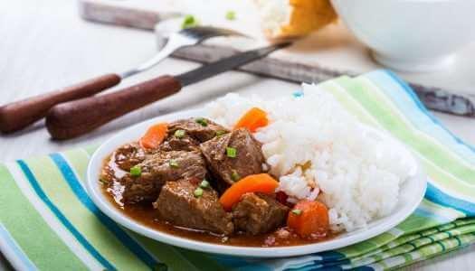 Βουβαλίσιο κρέας κοκκινιστό με ρύζι