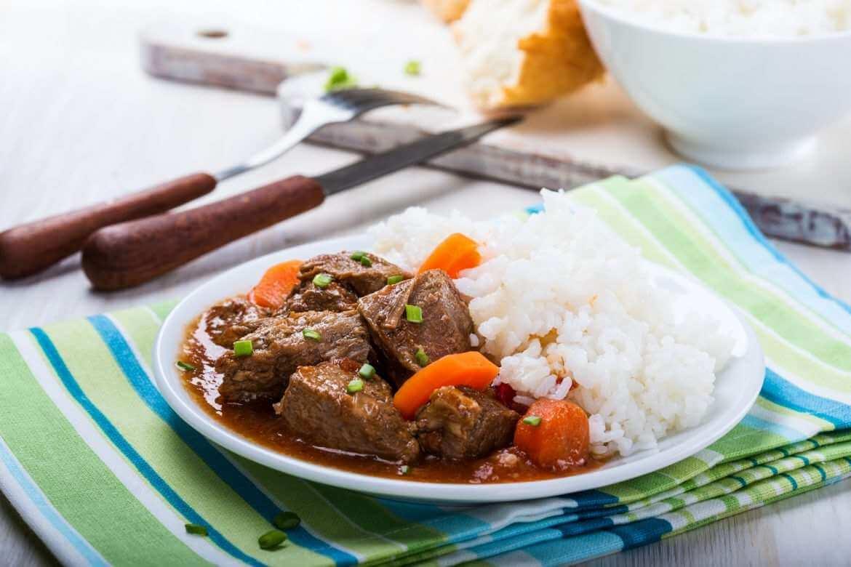 βουβαλίσιο κρέας, συνταγές με βουβαλίσιο κρέας, κρέας κοκκινιστό, κοκκινιστό με ρύζι, συνταγές με βουβάλι, βουβαλίσιο κρέας Κερκίνης, vouvalisio kreas koκkinisto